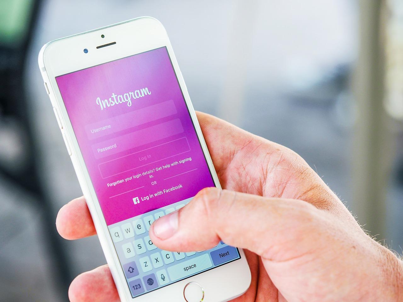Những lý do hàng đầu người tiêu dùng theo dõi và gắn kết các thương hiệu trên phương tiện truyền thông xã hội